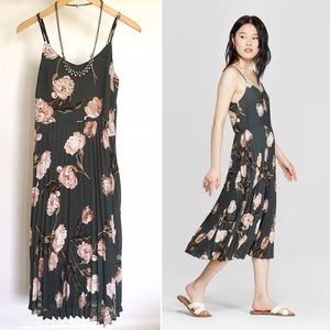 NWT A New Day pleated floral dress